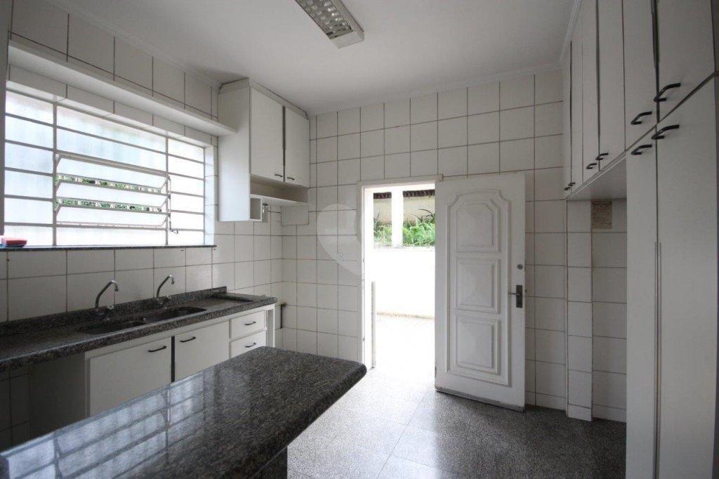 Venda Casa térrea São Paulo Pacaembu REO106116 36