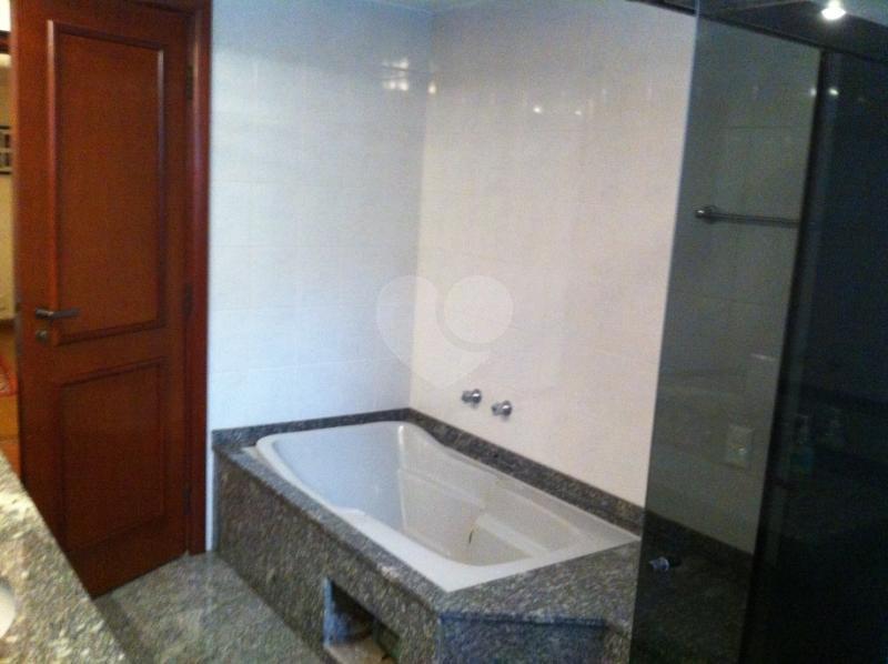 Venda Apartamento São Paulo Real Parque REO117740 57
