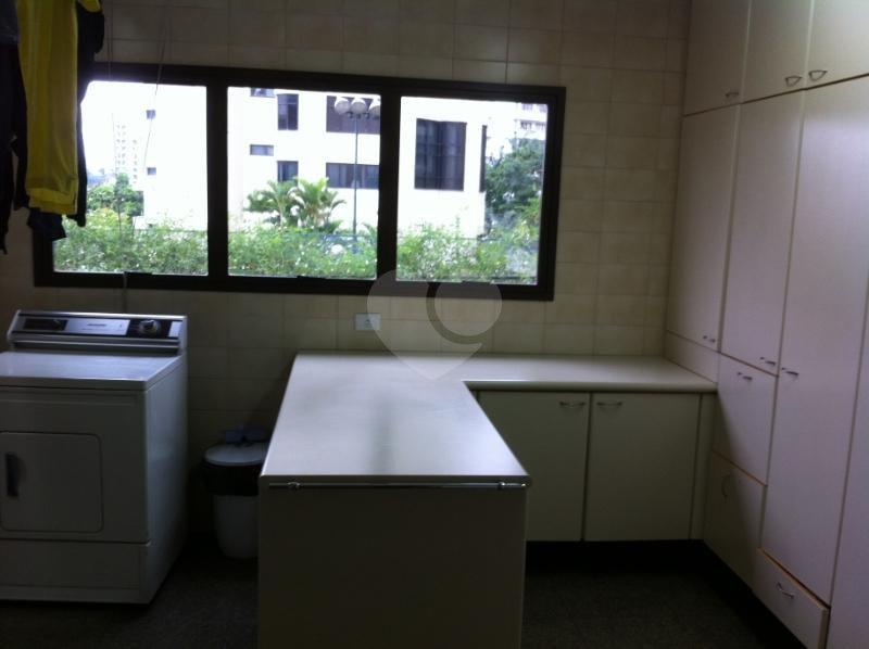 Venda Apartamento São Paulo Real Parque REO117740 35