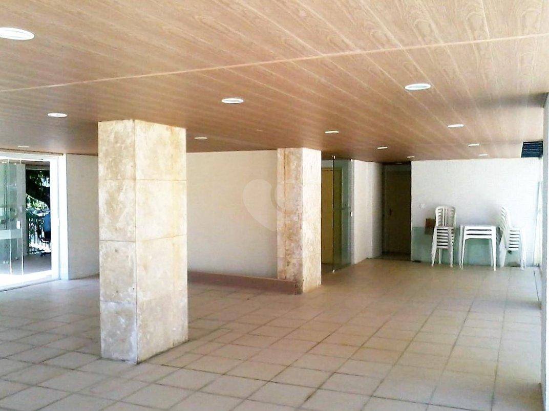 Venda Apartamento Salvador Jardim Apipema REO190651 5