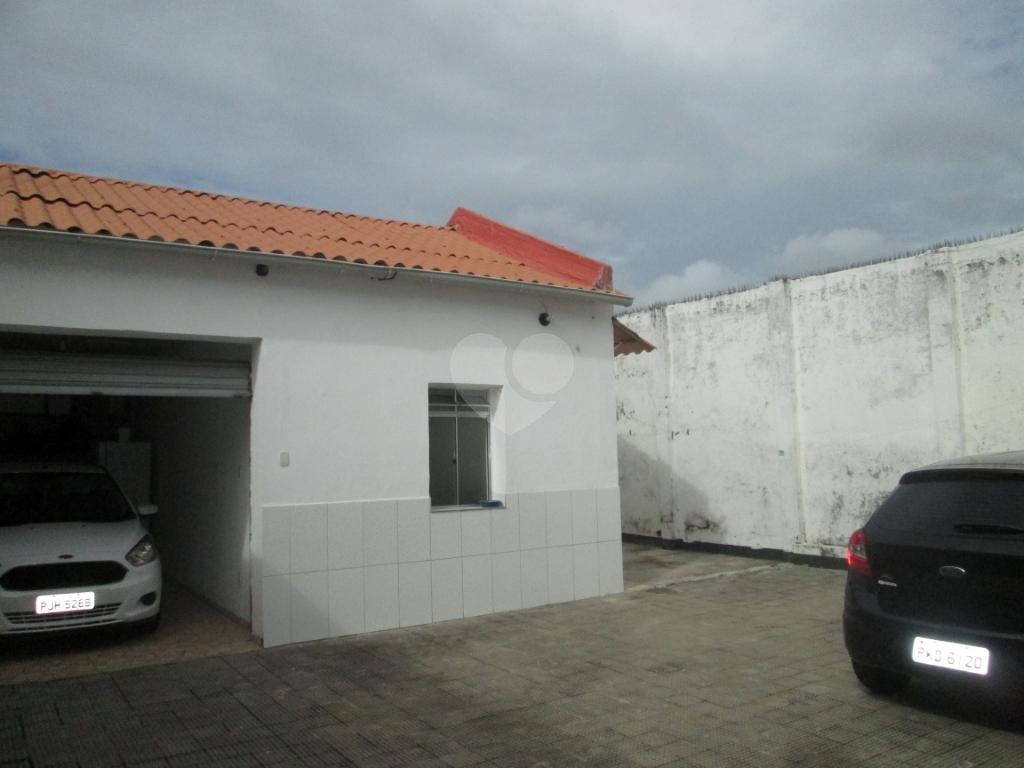 Venda Casa Salvador Barbalho REO213611 39