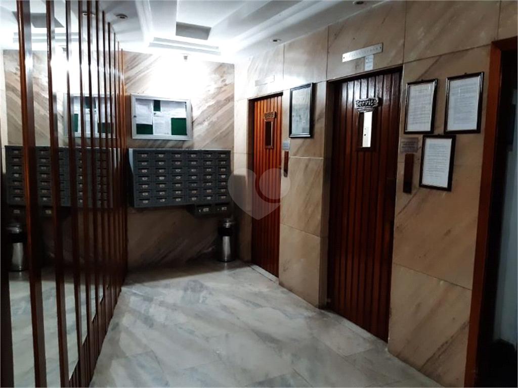 Venda Apartamento Vitória Centro REO445321 21