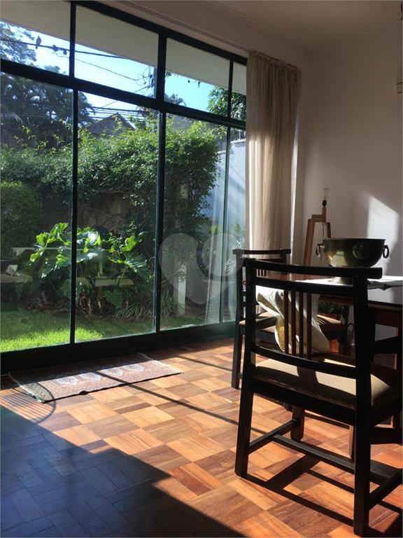 Venda Casa térrea São Paulo Pacaembu REO450730 3