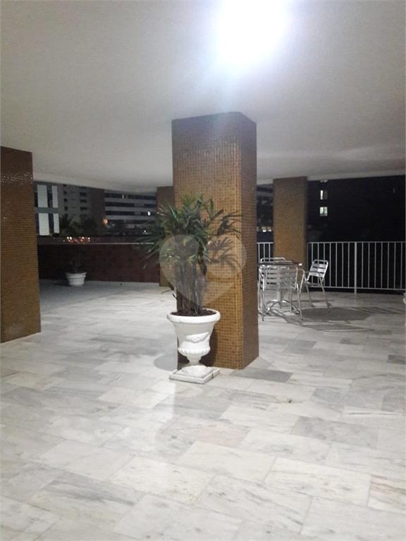 Venda Apartamento Salvador Candeal REO467703 32