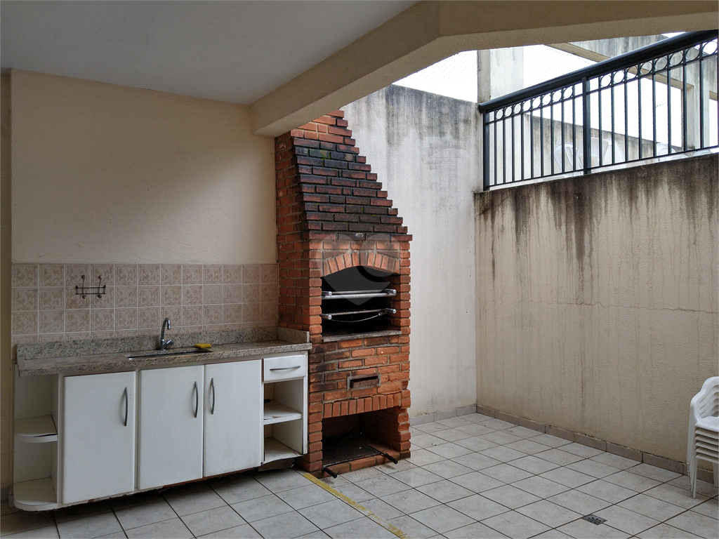 Venda Apartamento Santos Gonzaga REO510100 43
