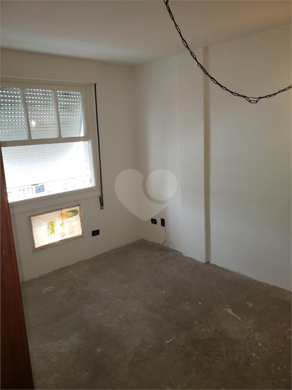 Venda Apartamento Santos Campo Grande REO540937 14