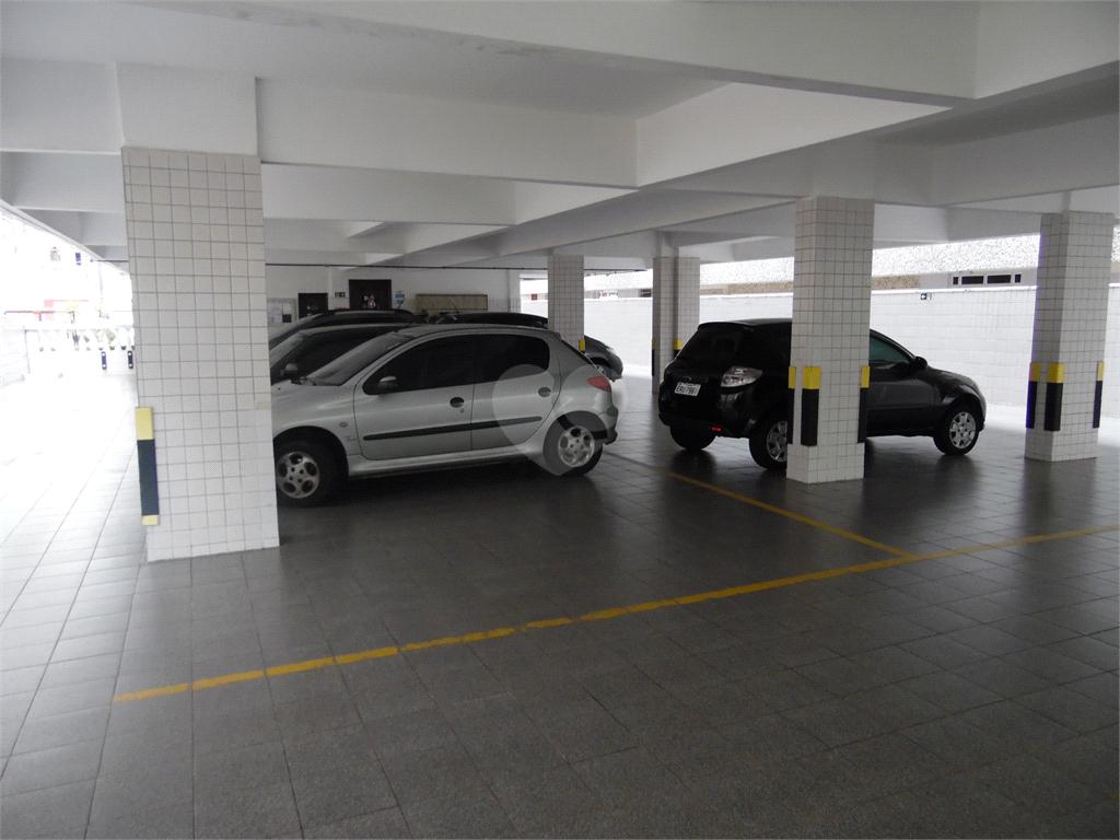 Venda Apartamento Santos Campo Grande REO540937 33
