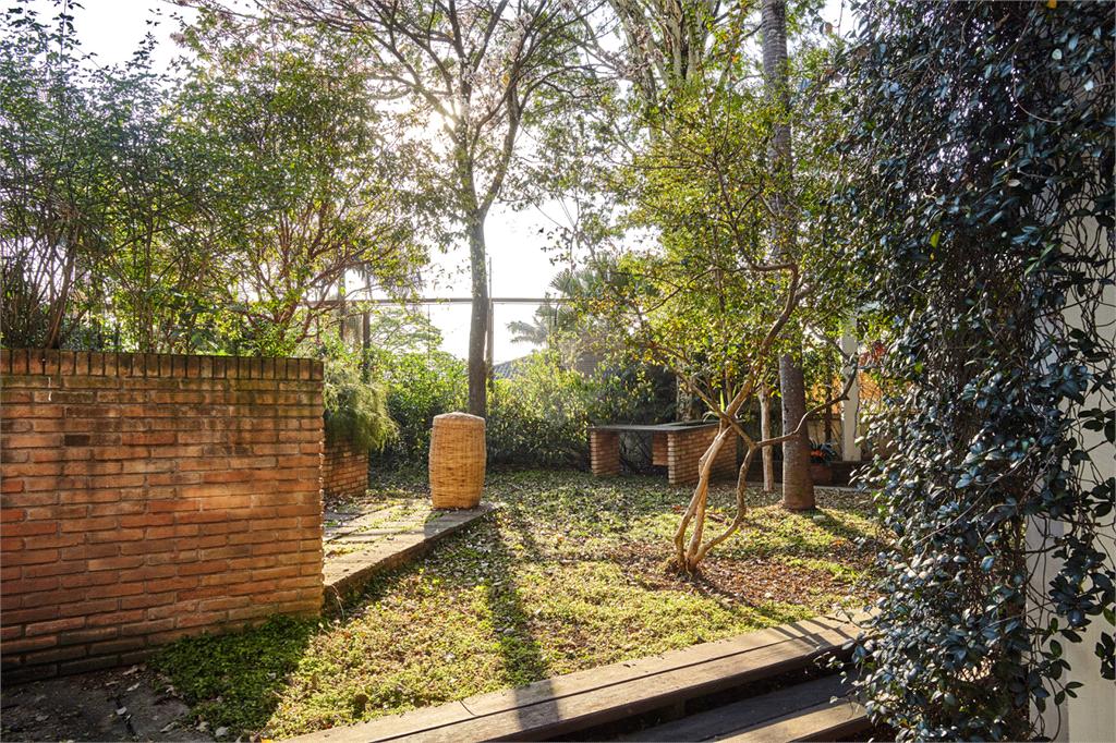 Venda Casa São Paulo Pacaembu REO560627 30