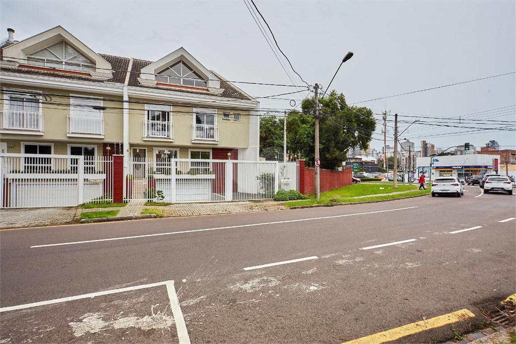 Venda Condomínio Curitiba Mercês REO584114 6