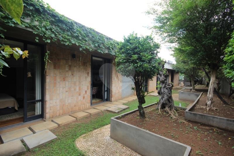 Venda Casa térrea São Paulo Pacaembu REO85230 47