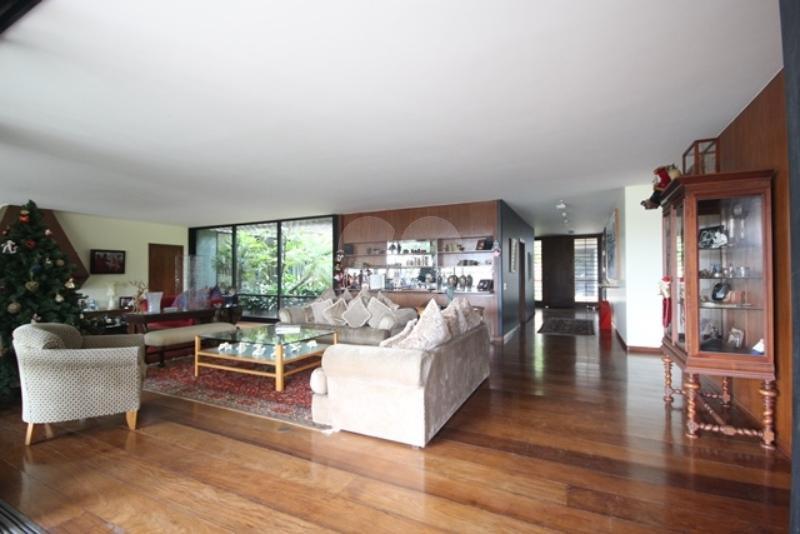 Venda Casa térrea São Paulo Pacaembu REO85230 11