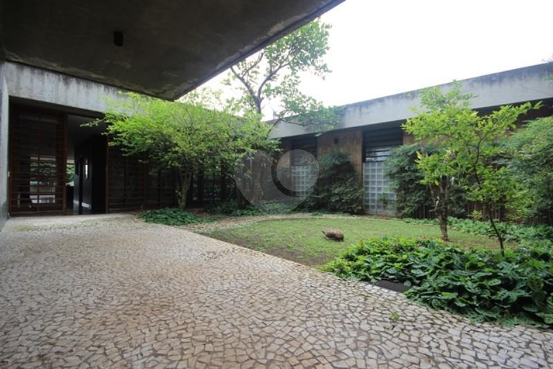 Venda Casa térrea São Paulo Pacaembu REO85230 54
