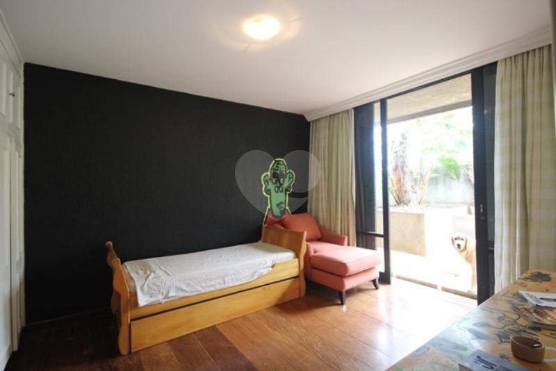 Venda Casa térrea São Paulo Pacaembu REO85230 12