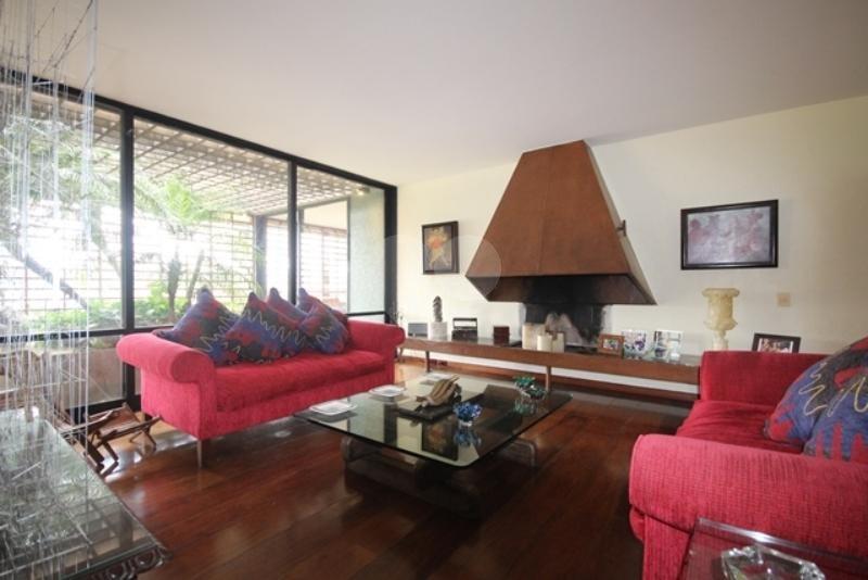 Venda Casa térrea São Paulo Pacaembu REO85230 49