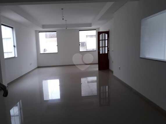 Venda Casa Santos Embaré REO 13